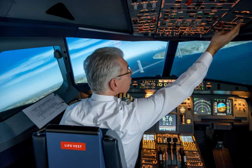 What are Aircraft Transponders & Emergency Squawk Codes?